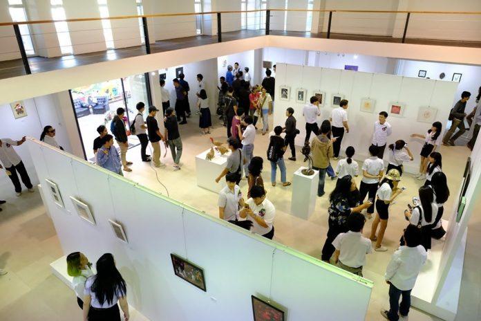 นิทรรศการ Art Exhibition ในแนวคิด Refection – สะท้อน