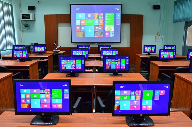 ห้องปฏิบัติการคอมพิวเตอร์ 15-606