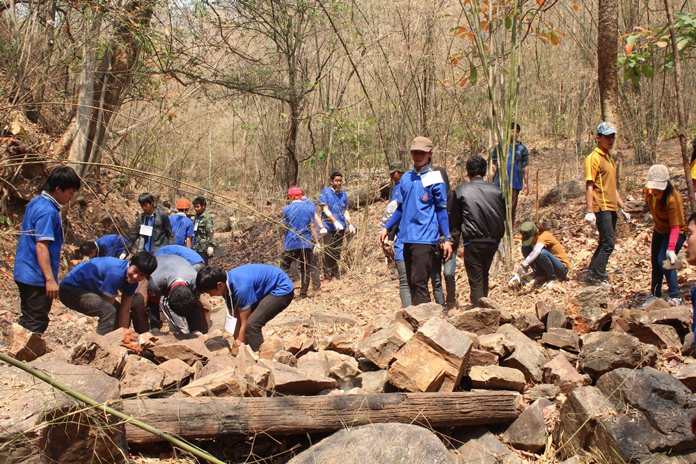 Bhumibol Dam and voluntary students cooperated 'Check-Dam', The Royal moisture retention Dam project.