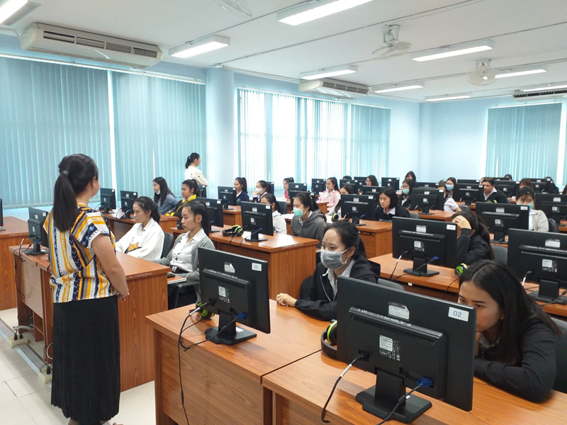 ศูนย์ภาษา มทร.ล้านนา ลำปาง จัดทดสอบ Placement test เพื่อวัดผลความรู้ทางภาษาอังกฤษของนักศึกษา