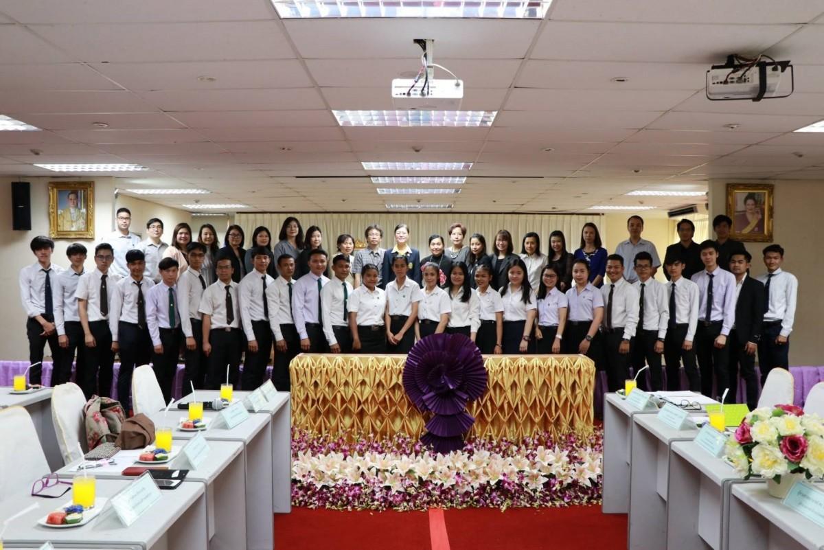 ตัวแทนคณาจารย์ คณะวิศวกรรมศาสตร์ มทร.ล้านนา เข้าร่วมโครงการเยี่ยมเยียนนักเรียนทุนพระราชทานโครงการพระราชทานความความเหลือแก่ราชอาณาจักรกัมพูชา