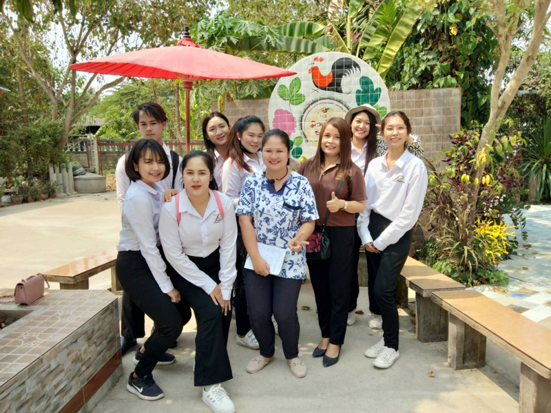 RMUTL,Lampang organized a field trip and speaking exam into tourist attraction in Lampang.