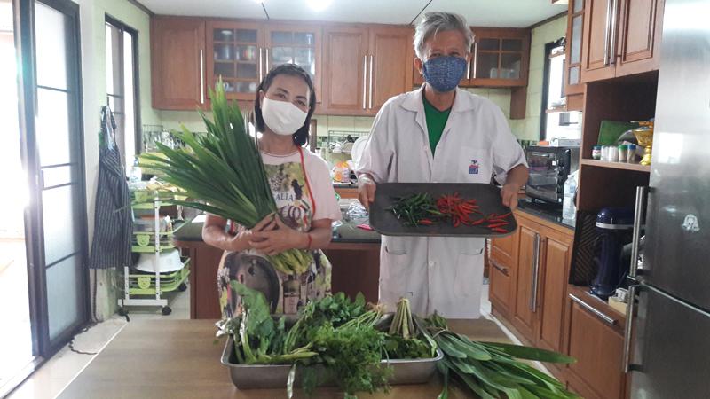 อาจารย์คณะวิทย์ฯ มทร.ล้านนา ลำปาง  เป็นวิทยากรอบรมแปรรูปผักและสมุนไพรอบแห้ง