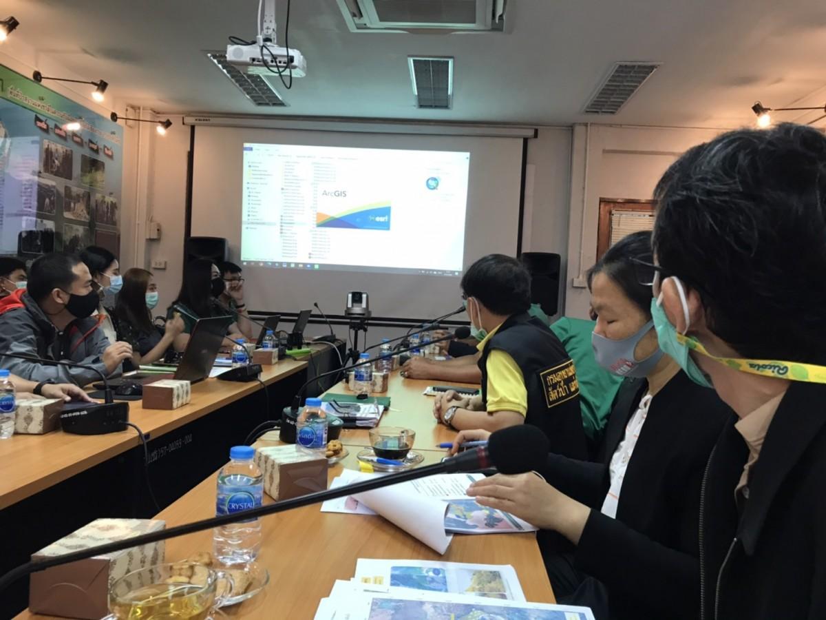 ผู้บริหาร คณาจารย์ มทร.ล้านนา เชียงราย เข้าร่วมประชุมคณะกรรมการจัดทำแผนที่ One map ของโครงการศูนย์พัฒนาและส่งเสริมการเรียนรู้อนุรักษ์ดิน น้ำ ป่า เฉลิมพระเกียรติ วัดเทพนิมิตสุดเขตสยาม