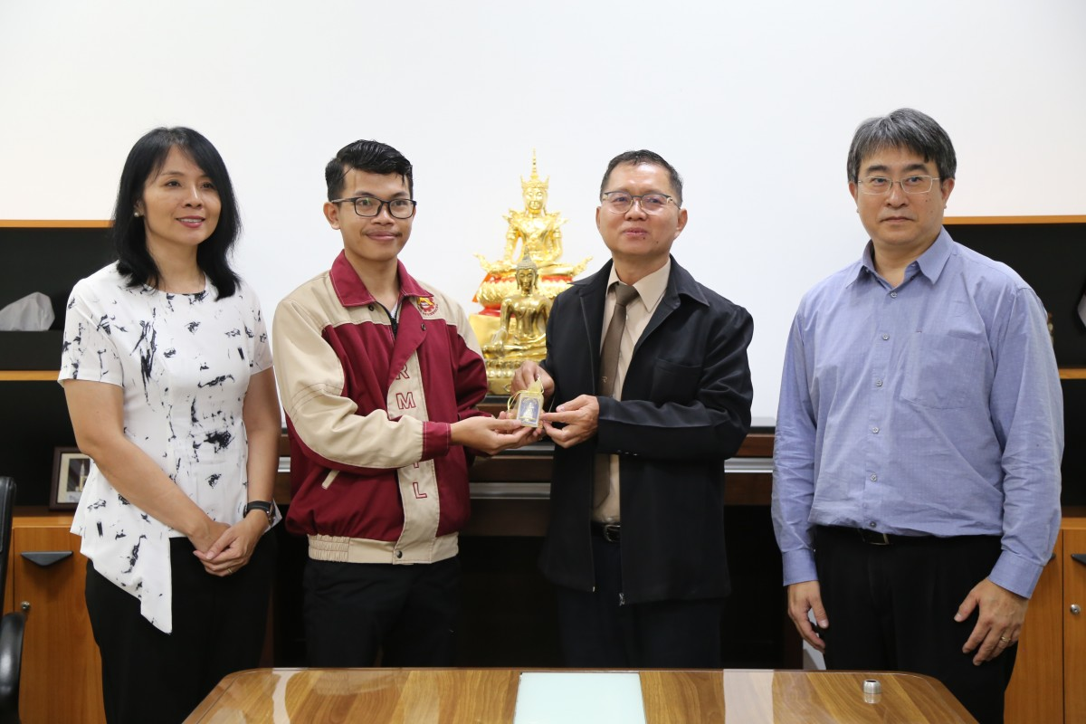 นักศึกษาแลกเปลี่ยนกัมพูชา เข้าพบผู้บริหารมหาวิทยาลัยภายหลังสำเร็จการศึกษาระดับปริญญาตรี