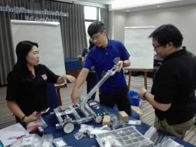 รูปภาพ : วิทยาลัยเทคโนโลยีและสหวิทยาการร่วมกับปรินส์รอยแยลส์วิทยาลัย จัดโครงการการเสริมประสิทธิภาพหลักสูตรไตรศึกษา Challenge โดยการออกแบบและสร้างหุ่นยนต์ FIRST Tech Challenge