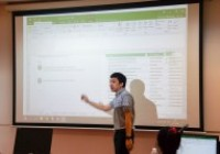 รูปภาพ : นักเทคโนฯ วิทยบริการฯ บรรยายฯ Excel, World, Publisher แก่ นศ.ภาษาอังกฤษธุรกิจ ก่อนออกสหกิจศึกษา