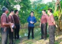 รูปภาพ : ทีมผู้บริหารมหาวิทยาลัยเทคโนโลยีราชมงคลล้านา เยี่ยมชมชุมชนเรียนรู้เกษตรอินทรีย์ มทร.ล้านนา พิษณุโลก