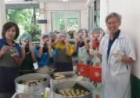 Image : เป็นวิทยากรฝึกอบรมเชิงปฏิบัติการ การทำขนมจีบ