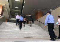 รูปภาพ : ผู้บริหารสำรวจอาคาร S1 วทส.ดอยสะเก็ด