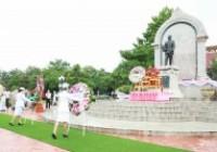 รูปภาพ : พิธีวางพวงมาลาเนื่องในวันปิยมหาราช ประจำปี 2563