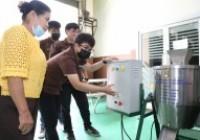 รูปภาพ : นศ.วิศวกรรมการผลิตมอบเครื่องปั่นพริกให้วิสาหกิจชุมชนกลุ่มสตรีศรีป่าดู่ ดอยสะเก็ด เชียงใหม่
