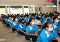 รูปภาพ : ผู้ช่วยอธิการบดีพบนักศึกษา ทำความเข้าใจการเข้าพักหอพักนักศึกษาในสถานการณ์โควิด-19