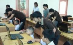 ม.เทคโนโลยีราชมงคลล้านนา พิษณุโลก ส่งเสริมความรู้ด้านICT หนูน้อยนักเรียนรู้คอมพิวเตอร์  ให้นักเรียนโรงเรียนอนุบาลโรจนวิทย์ป้อมเพชร