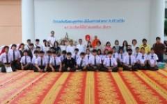 มทร.ล้านนา เชียงราย จัดกิจกรรมส่งเสริมพระพุทธศาสนาสวดมนต์ทำวัตรเช้า ทำบุญตักบาตรและฟังเทศน์พื้นเมืองชาดกเนื่องในเทศกาลเข้าพรรษา สัปดาห์ที่ 4