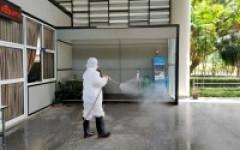 มทร.ล้านนา เชียงราย สร้างความมั่นใจฉีดพ่นน้ำยาฆ่าเชื้อไวรัสโคโรนา ๒๐๑๙ (COVID 19) ทั่วมหาวิทยาลัยฯ