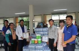 รูปภาพ : ฝ่ายกิจการพิเศษรับมอบน้ำดื่มและของรางวัลสนับสนุนกิจกรรมเดินเทิดพระเกียรติ