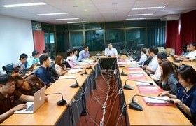 รูปภาพ : รองอธิการฯ บริหาร และสำนักวิทยบริการฯ มทร.ล้านนา ต้อนรับพนักงานใหม่