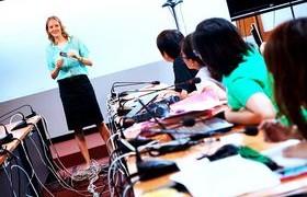 รูปภาพ : กลุ่มงานระบบสารสนเทศฯ วิทยบริการฯ มทร.ล้านนา จัดอบรมฯทักษะภาษาอังกฤษ แก่นักเทคโนโลยีสารสนเทศ