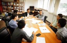 รูปภาพ : รองอธิการบดีฝ่ายวิชาการฯ และสสว. ประชุมร่วม สวท. หารือฯ ระบบนักศึกษาและหลักสูตร