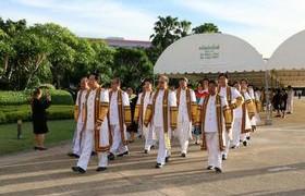 รูปภาพ : พิธีรับพระราชทานปริญญาบัตร. ครั้งที่ 29 ของบัณฑิตมทร.ล้านนา ประจำปีการศึกษา 2557 ณ มทร.ธัญบุรี