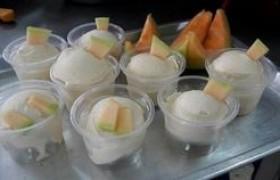 รูปภาพ : นักศึกษา มทร.ล้านนา ลำปาง ฝึกอบรมเชิงปฏิบัติการ การทำไอศกรีมแตงเมล่อน