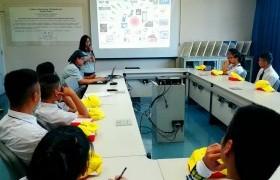 รูปภาพ : หลักสูตรเตรียมวิศวกรรมศาสตร์ วิทยาลัยเทคโนโลยีและสหวิทยาการ นำนักศึกษาดูงาน ที่ บริษัท ฟูจิคูระประเทศไทย จำกัด นิคมอุตสาหกรรม จังหวัดลำพูน
