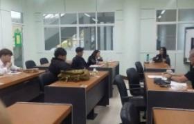 รูปภาพ : ศูนย์ภาษา จัดคอร์สฝึกทักษะในการโต้วาทีภาษาอังกฤษ