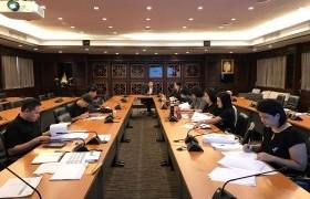 รูปภาพ : ประชุมติดตามผลการดำเนินงานรายตัวบ่งชี้ระดับสถาบัน ปีการศึกษา 2559