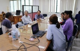 รูปภาพ : ติดตามและมอบนโยบายการดำเนินโครงการการกระดับการเลี้ยงปลานิลในอ.พาน