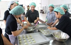 Image : Training activity making cookie and cracker from gymnema sylvestre