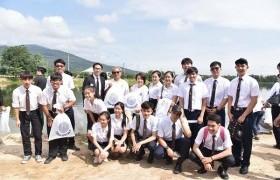 รูปภาพ : นักศึกษา มทร.ล้านนา เข้าร่วมกิจกรรมเนื่องในวันเฉลิมพระชนมพรรษา 28 กรกฏาคม 2560