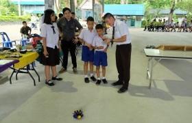 รูปภาพ : หลักสูตรเตรียมวิศวกรรมศาสตร์ เข้าร่วมแสดงผลงานสิ่งประดิษฐ์เนื่องในงานสัปดาห์วันวิทยาศาสตร์ ณ โรงเรียนลองวิทยา จ.แพร่