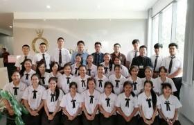 รูปภาพ : นักศึกษาหลักสูตรเตรียมบริหารธุรกิจ ชั้นปีที่ 2 ศึกษาดูงาน ที่ บริษัทแพนดอร่า โพรดักชั่น จำกัด สาขาลำพูน