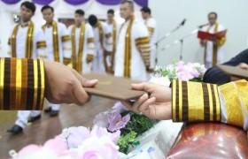 รูปภาพ : รายชื่อบัณฑิต มทร.ล้านนา ตาก - พิธีซ้อมย่อยพระราชทานปริญญาบัตร ประจำปีการศึกษา 2559