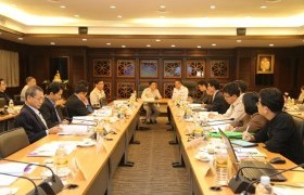 รูปภาพ : ประชุมคณะกรรมการบริหารมหาวิทยาลัยเทคโนโลยีราชมงคลล้านนา ครั้งที่ 12/2560