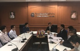 Image : RMUTL discussed with Lampang Technical College (LTC) and drove to the University's strategic, improving human to country development.