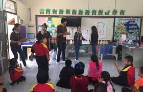 """รูปภาพ : สาขาวิชาภาษาอังกฤษเพื่อการสื่อสารสากล มทร.ล้านนา ลำปาง จัดโครงการ """"พี่ใหญ่สอนภาษาอังกฤษให้น้อง"""" รุ่นที่ 6  ณ โรงเรียนบ้านจำค่า ฝึกทักษะสันทนาการฟัง พูด อ่าน เขียน"""