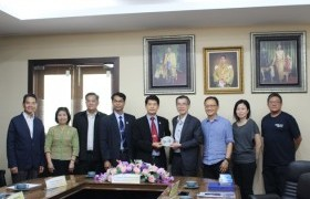 Image : The project meeting with representatives from Singapore Polytechnic