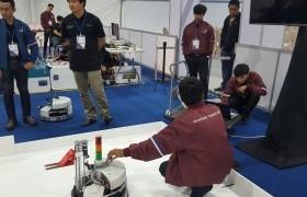 รูปภาพ : มทร.ล้านนา เชียงราย นำนักศึกษาเข้าร่วมการแข่งขันหุ่นยนต์เคลื่อนที่ (Mobile Robotics) ในงานแข่งขันฝีมือแรงงานแห่งชาติ ครังที่ 27 (WorldSkills Thailand 2018)