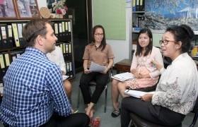 รูปภาพ : Easy English with Language Centre