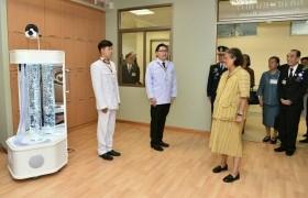 รูปภาพ : อาจารย์หลักสูตรทัศนศิลป์ ร่วมออกแบบห้องสันทนาการ ให้แก่ศูนย์ส่งส่งฟื้นฟูสุขภาพผู้สูงอายุ สภากาชาดไทย
