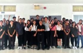 รูปภาพ : ผู้บริหารคณาจารย์ และนักศึกษาจากมหาวิทยาลัย Ngee Ann Polytechnic และ Temasek Polytechnic ให้เกียรติเยี่ยมชมการเรียนการสอนวิทยาลัยเทคโนโลยีและสหวิทยาการ