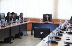 รูปภาพ : อธิการบดีประชุมพบปะรับมอบนโยบายแนวทางการพัฒนามหาวิทยาลัยฯ