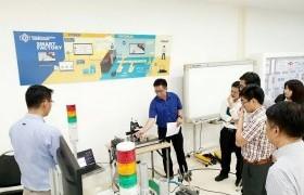 รูปภาพ : บุคคลากรวิทยาลัยฯ เข้าร่วมโครงการหุ่นยนต์แขนกลระบบอัตโนมัติเพื่อใช้ในอุตสาหกรรมเกษตร ณ สำนักพัฒนาอุตสาหกรรมสนับสนุน กรุงเทพมหานคร