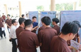 รูปภาพ : หมวดวิชาศึกษาทั่วไป มทร.ล้านนา เชียงราย จัดนิทรรศการการนำเสนอผลงานนักศึกษา