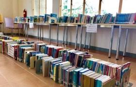 รูปภาพ : แจ้งการให้บริการห้องสมุด หมวดหนังสือ 700 800 900 และโซนบริการโต๊ะรับประทานอาหาร