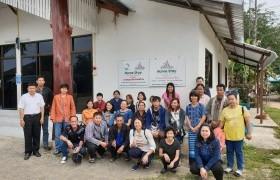 รูปภาพ : กลุ่มแกนนำบ้านหลายทุ่ง ลงพื้นที่ศึกษาตัวอย่างการท่องเที่ยวโดยชุมชน