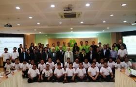 รูปภาพ : ผู้บริหารมหาวิทยาลัยเทคโนโลยีราชมงคลล้านนา เข้าร่วมประชุมและตรวจเยี่ยมการจัดการเรียนการสอนหลักสูตรในโครงการสร้างบัณฑิตพันธุ์ใหม่ ณ บริษัท เบทาโกร จำกัด (มหาชน) จ.ลพบุรี