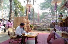 รูปภาพ : บุคลากรจากศูนย์วัฒนธรรมศึกษา มทร.ล้านนา เป็นตัวแทนเข้าร่วมงานวันอนุรักษ์มรดกไทย ประจำปี 2562